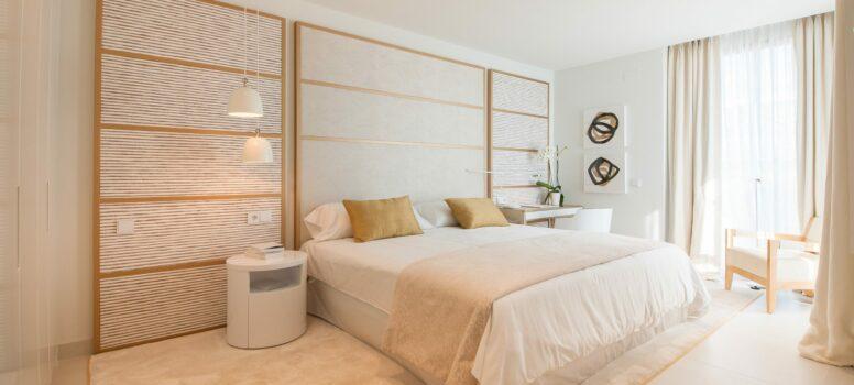 Master_Bedroom-Higueron-west.-scaled